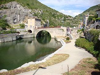 326px-Le_Pouzin_(Ardèche,_Fr)_l'Ouvèze_au_Pont_Romain.JPG